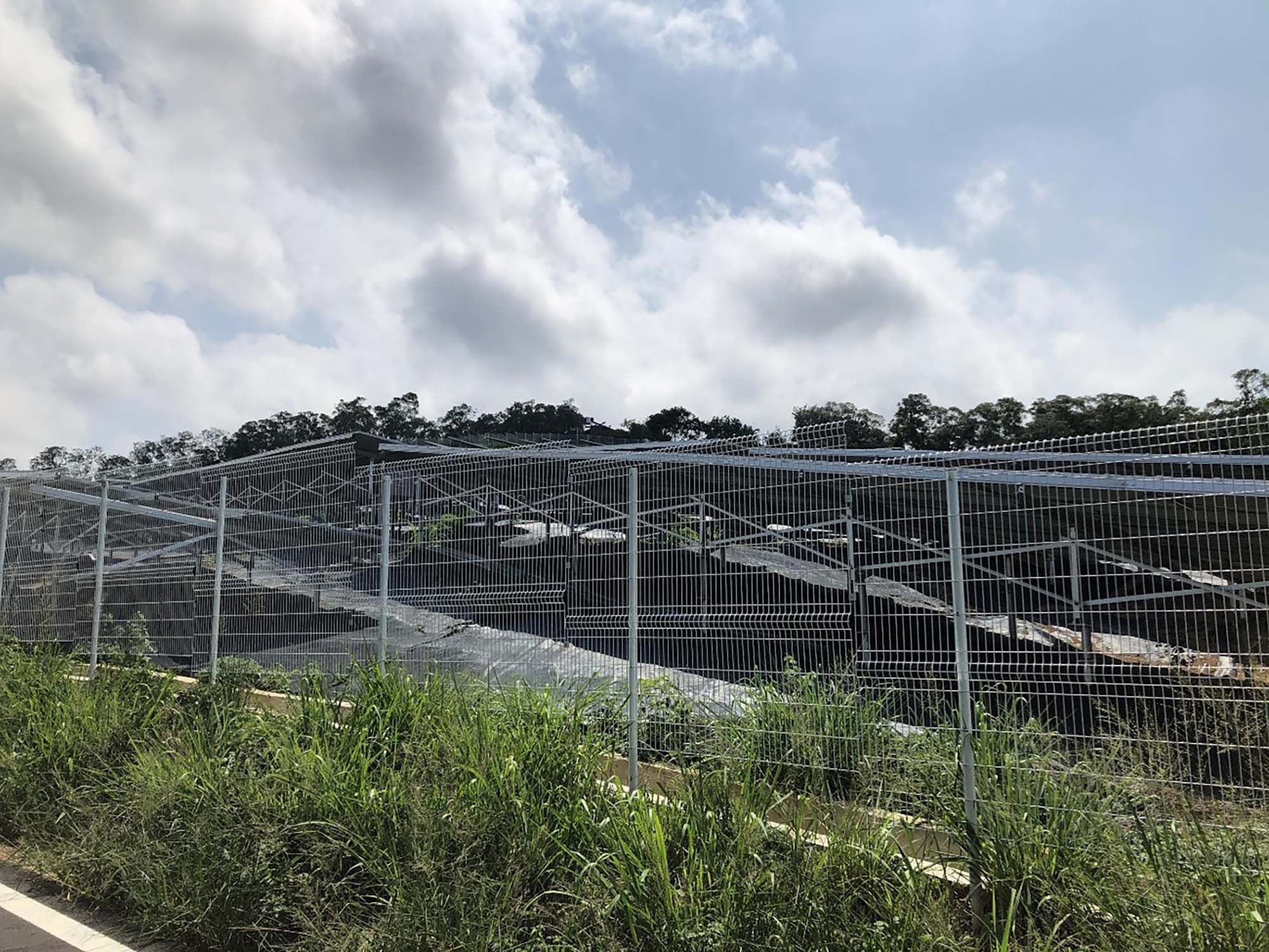 苗栗県内にある「小光電」発電施設。乱開発・景観破壊などが懸念される。