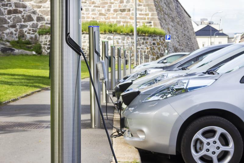 電気自動車の充電方法